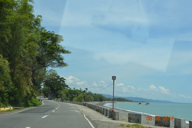 barbaza road by the shore